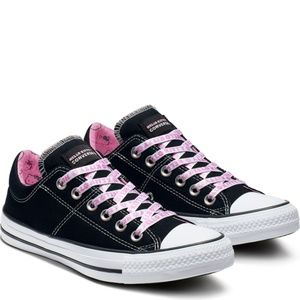 NWT Converse x Hello Kitty Black Low Top Sneakers
